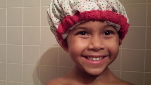 wearing-thermal-cap-while-bathing