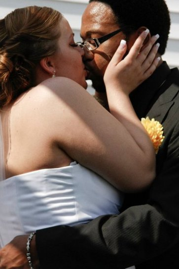 Kevin and I Wedding Day_Kiss